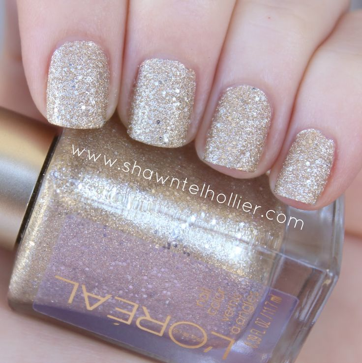 L'Oreal Gold Dust Textured Nail Polish: The Statement Piece #Loreal #golddust