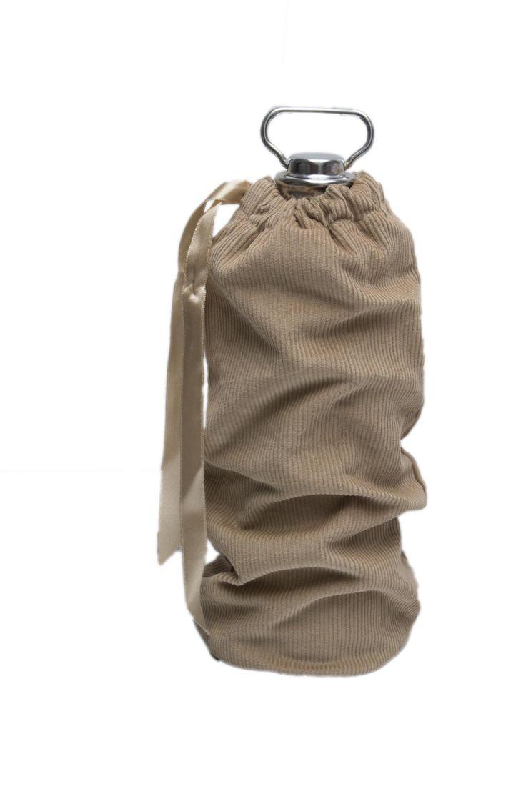 (warmwater) bottle pouch (=cover for warmwater babywarmer) @Fabs World #bottle pouch #babywarmer #kruikzak #nursery #baby #warm water #beige #corduroy #kidsroom #babyroom #babyuitzet shop:fabsstore.com