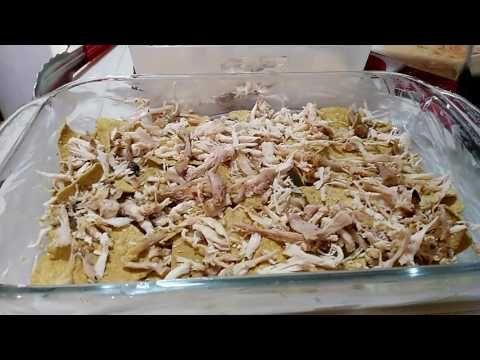 Chilaquiles rojos con chile mulato - YouTube