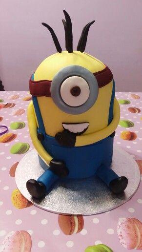 Tarta Minion cake