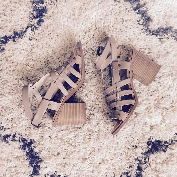 The perfect summer-to-fall sandal. Thanks for sharing your #FixObsession, @fortheloveofpopcornandwine! #regram
