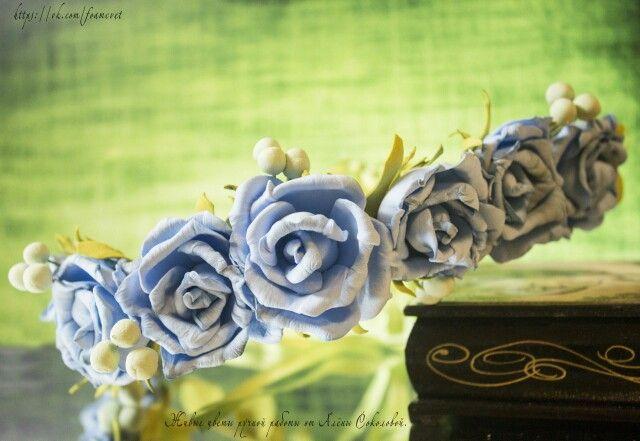 """Венок """"Небесные розы"""" #фоамиран #розы #ручнаяработа #венок #украшение #аксессуары #handmade #roses #accessory #happy #wreath"""