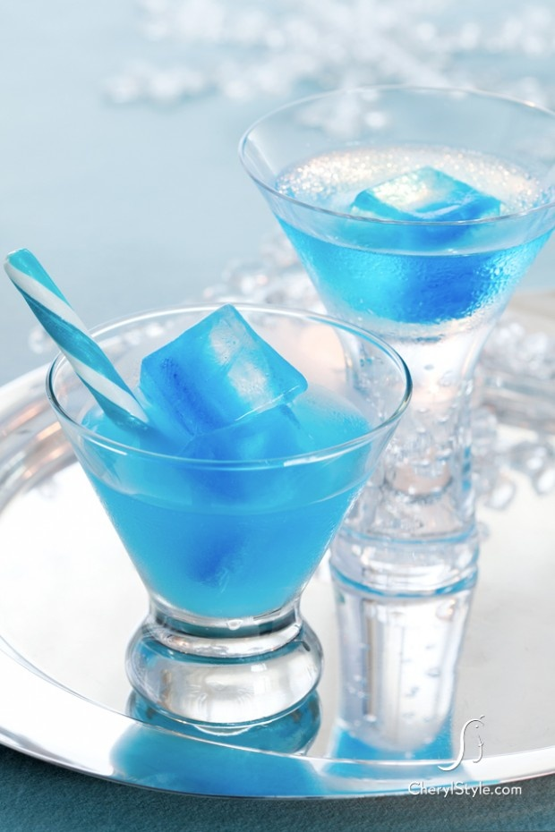 icy blue curacao cocktail recipe ice cubes cocktails. Black Bedroom Furniture Sets. Home Design Ideas