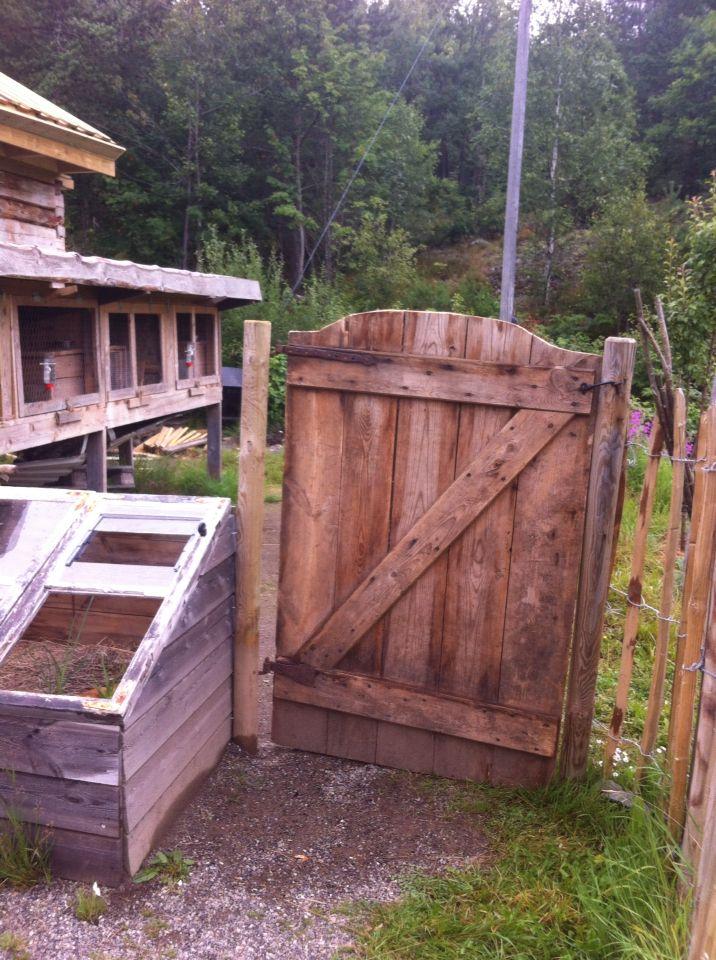 Porten inn til kaninene. Vestjordet.