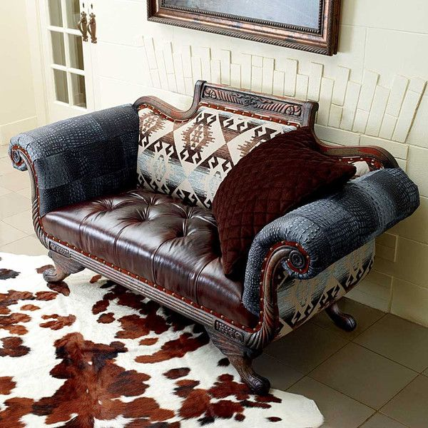 A Real Conversation Starter This Loveseat Leaves No One Indifferent Smartly Supported By A King Ranchranch Decorquilted