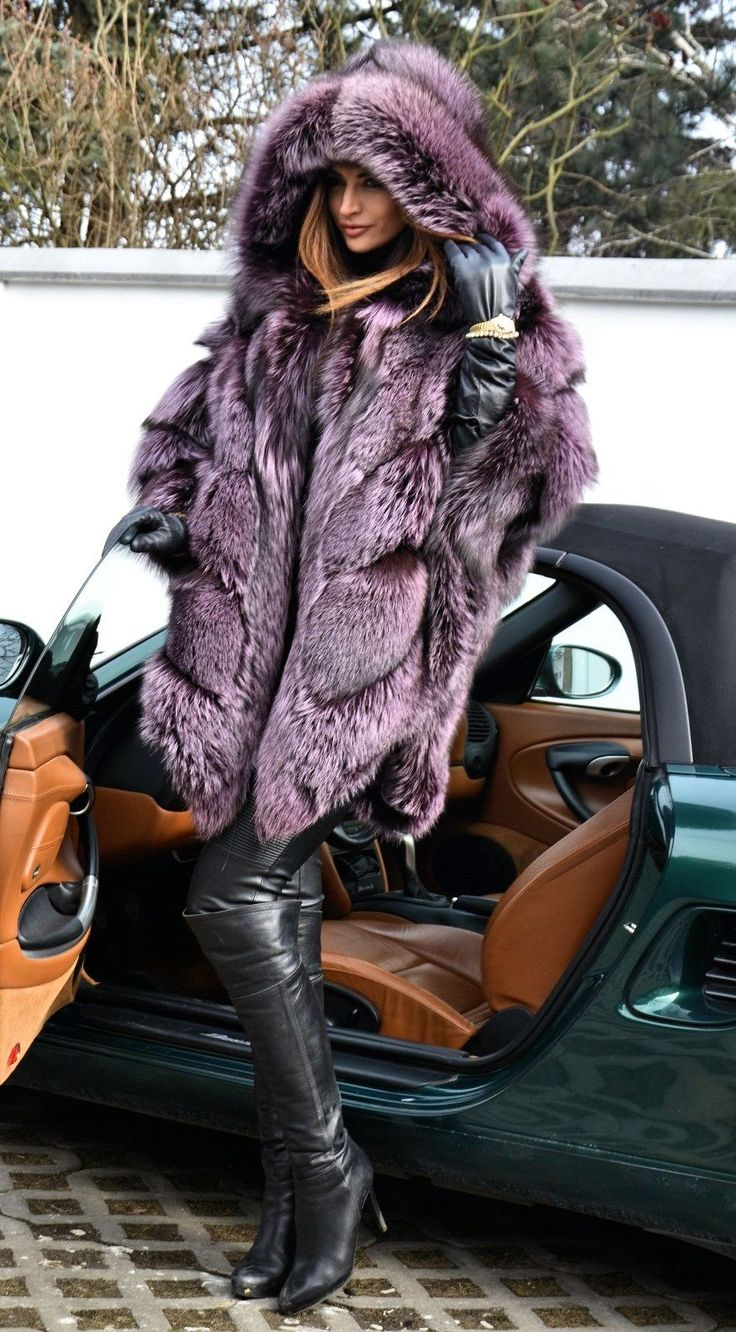 Violet Royal Saga Silver Fox Fur Poncho Fur & cars Добавь, ставь нравится, поделись. Add, Like, Share! #furonline #furfashion #furstyle