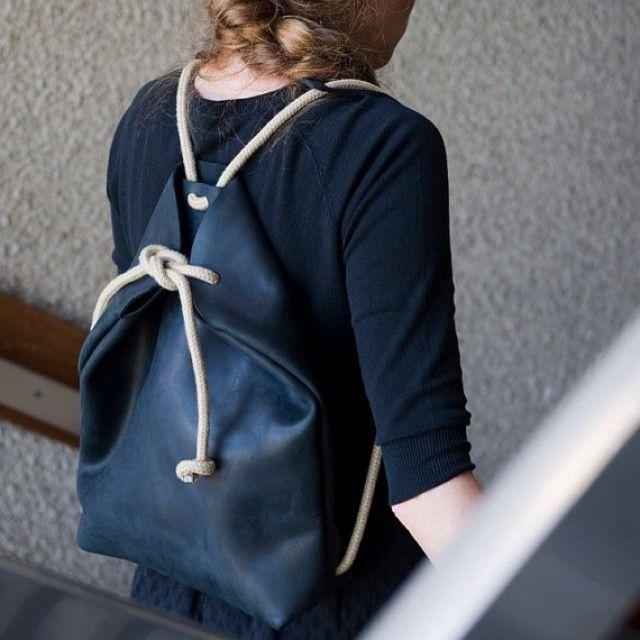 Minimal Rucksack Off Black - Qrator