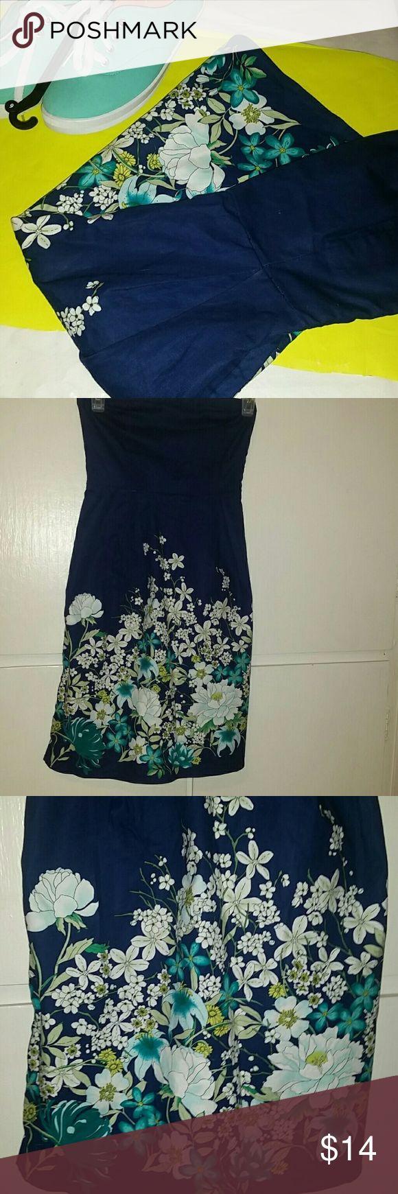 Old Navy strapless sundress Old Navy strapless sundress 97% cotton 3% spandex Old Navy Dresses Strapless