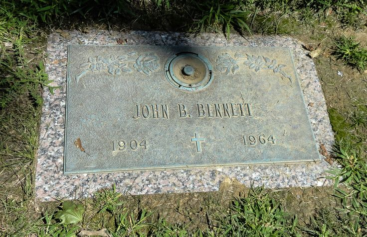 John Bonifas Bennett - U.S. Congressman. He graduated from University Law School Illinois, in 1926, was admitted to the Michigan bar in 1926 and practiced law in Ontonagon, Michigan. He was prosecuting attorney of Ontonagon County, (1929-340 and deputy commissioner of the Michigan Department of Labor and Industry, (1935-37). In 1943, he was elected as a Republican to the Seventy-eighth Congress, serving until 1945.