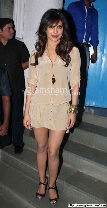 Priyanka Chopra at Bollywood babes at Sanjay Leela Bhansali birthday party - photo 9