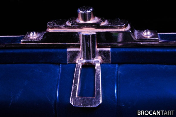 Blue leather handbag #Brocantart #Brocantage