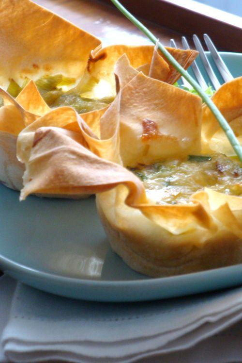 Cestini di pasta filo con porri e formaggio / Wire pastry baskets with leeks and cheese