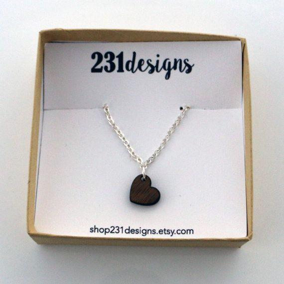 Sierlijke houten hart ketting Valentines Day door Shop231Designs