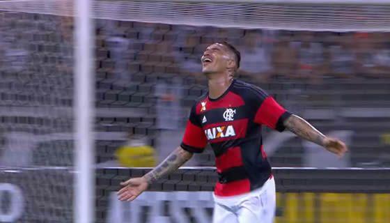 Atacante comemora o fim do jejum com a camisa do Fla - Imagem: Globo Esporte