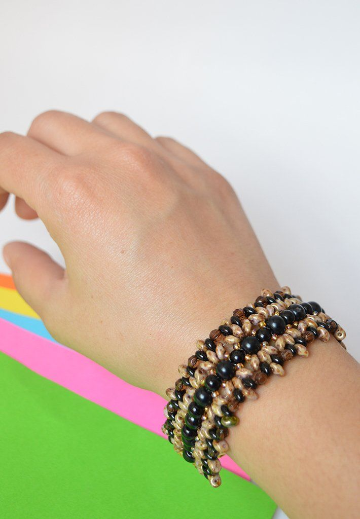 Bracelet black daisy flower - Artesano Currucutú