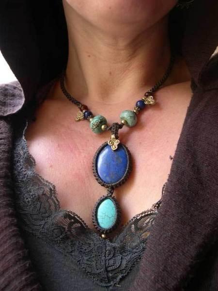 Ägyptischer Schmuck - Makramee Kette mit Lapislazuli und Howlith Stein - ein Designerstück von Magic-Knots bei DaWanda
