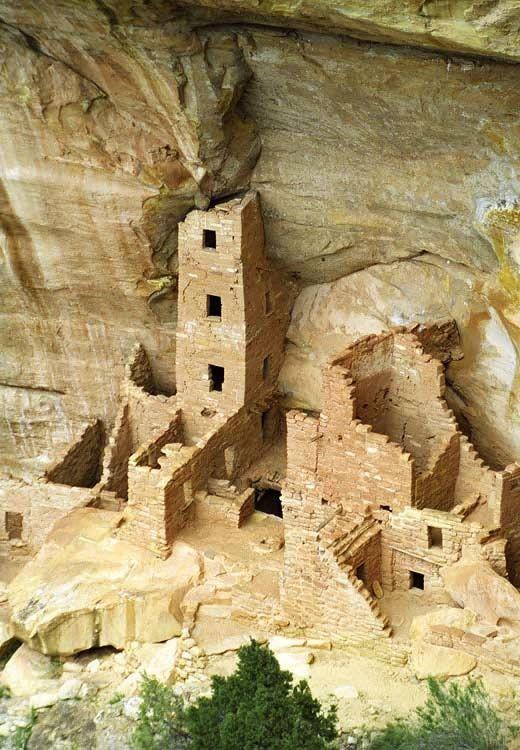 Explore kivas and cliff dwellings in Mesa Verde National Park