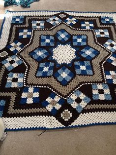 Patchwork Crochet Blanket – Free Pattern. Written pattern for this here: link More Great Looks Like This