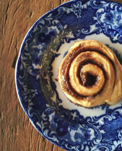 Essa receita é uma das minhas preferidas para um café da tarde com as amigas: Cinnamon Rolls feitos na hora!