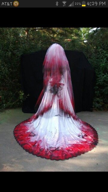 This is exactly how I want my wedding dress to look like. The colors are awesome!!