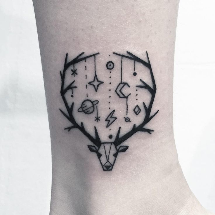 ✖️사슴뿔에 달린 우주✖️ . . . #타투 #그림 #아트 #그림타투 #드로잉 #스케치 #디자인 #일러스트 #블랙 #블랙타투 #tattoo…