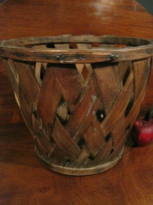 Antique 1800s New England Shaker Wooden Slatted Fingered Peach Gathering Basket  For Sale North Bayshore Antiques