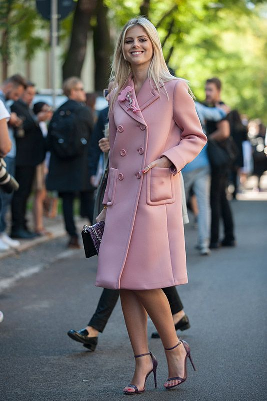 SS16 streetstyle details  long coat piggy pink Orchid Pink high-heels blonde girl smile