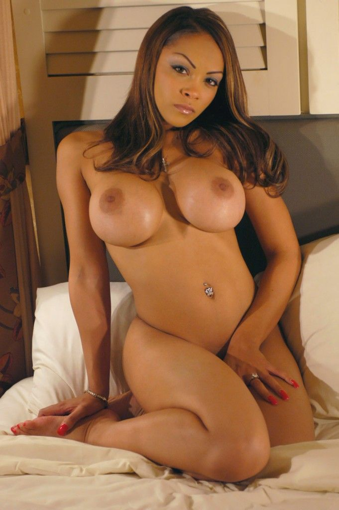 Hot black girls nude big boobs