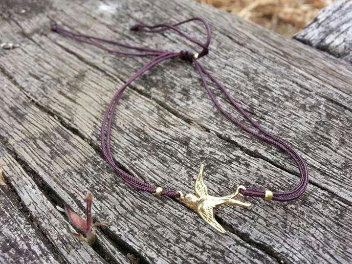 Pulsera golondrina dorada #pulsera #bisuteria #moda