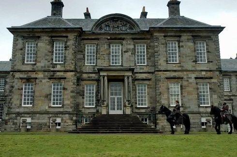 """Hopetoun House, Edinburgh (Duke of Sandringham's residence)   14 Scottish Places All """"Outlander"""" Fans Must Visit"""