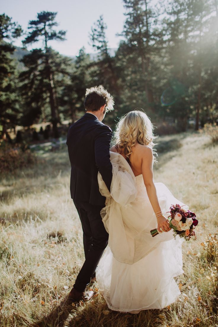 Fall Wedding | Wedding in the Mountains | Colorado Wedding | Fall DIY Wedding Ideas | Giaimo Wedding | Estes Park Wedding | Rocky Mountain Wedding | Della Terra Mountain Chateau