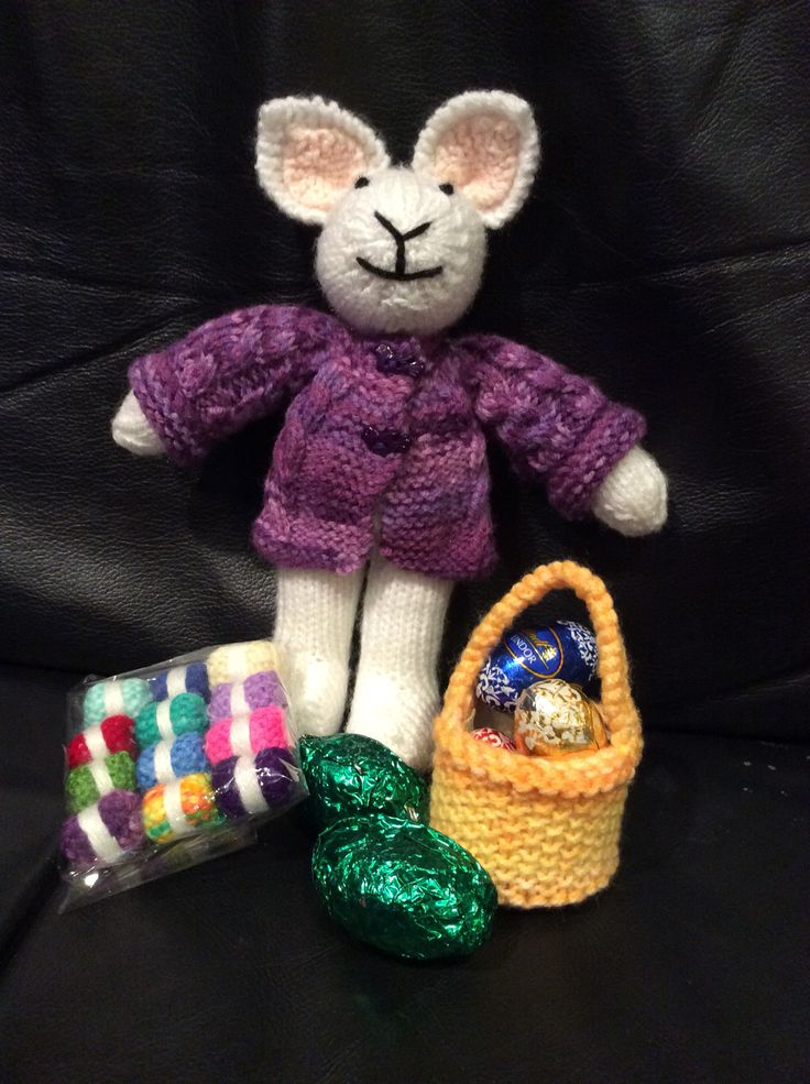 Easter bunny and some ornamental balls of yarn for Ngahuia who I had the pleasure of working with in 2013/14.