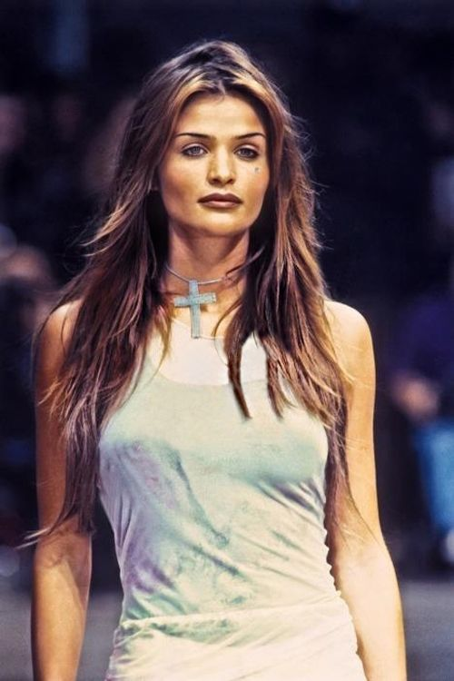 shaggy hair styles 2557 best helena christensen images on helena 2557