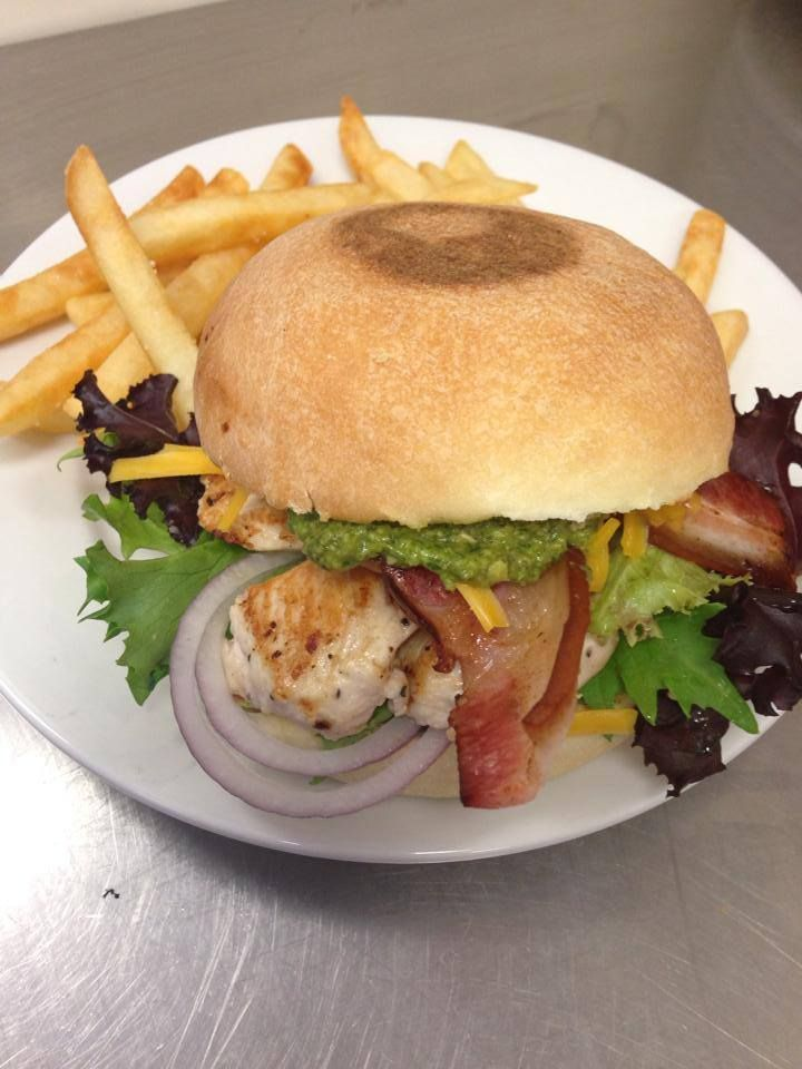 chicken breast, bacon, Californian cheddar, rocket pesto, red onion, baby greens and aioli