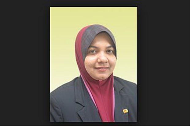 Tiga saintis Malaysia disenarai sebagai minda paling berpengaruh di dunia   Tiga pakar kejuruteraan kimia yang berkhidmat dengan universiti di Malaysia mendapat pengiktirafan sebagai antara Minda Paling Berpengaruh Di Dunia 2015 daripada Thomson Reuters.  Laporan dikeluarkan baru-baru ini menyenaraikan mereka adalah Prof Datuk Ir Dr Wan Ramli Wan Daud dan Prof Dr Siti Khatum Kamarudin kedua-duanya dari Universiti Kebangsaan Malaysia (UKM).  Tiga saintis Malaysia disenarai sebagai minda…