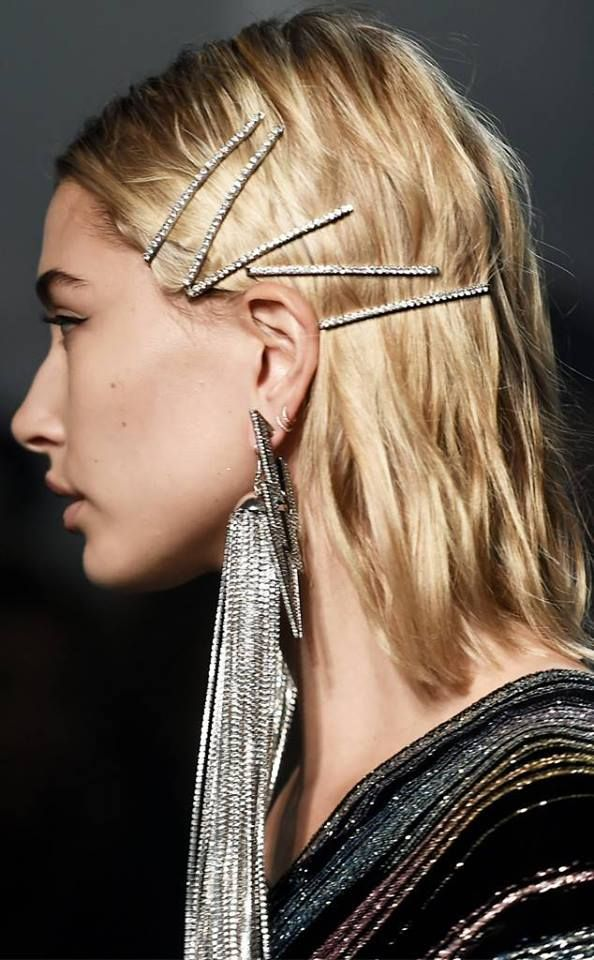 8bd326a9f THE RETURN OF 90s HAIR ACCESSORIES If New York Fashion Week is any  indicator, our reminiscent love of all that was the 90s continues through  2018 in the ...