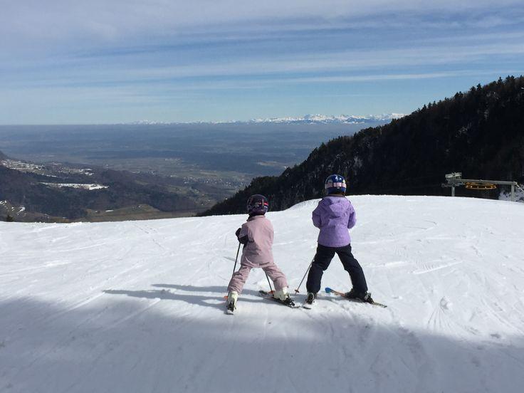 7. März 2015 - zweitletzter Tag der Skisaison auf dem Balmberg. Pisten sind prima und Skilifte Kähle und Bödeli sind offen. Unterstützt e die Region und geht morgen nochmals hin!