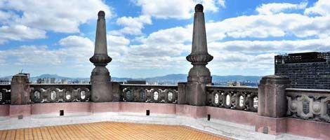 MARTINELLI – SÃO PAULO (SP) – 17.08.2010 – GERAL – VISTA DO PREDIO MARTINELLI , NA AVENIDA SÃO JOÃO,35. O TERRAÇO NO 26 ANDAR  FOI REFORMADO E VOLTA A RECEBER VISITANTES. FOTO: JOSE CORDEIRO/SPTURIS.