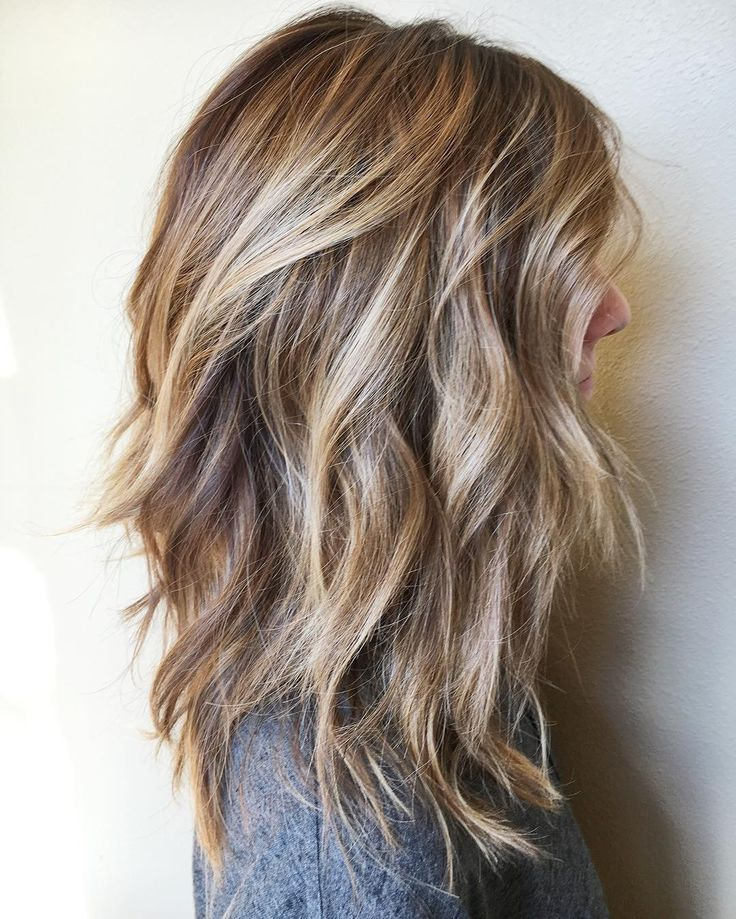 Fun and Flattering Medium Hairstyles for Thick Hair, Women Shoulder Length Haircut