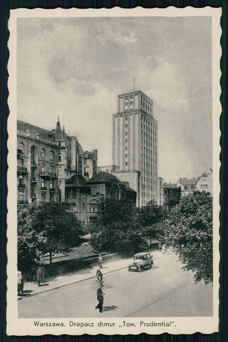 """Pocztówka: Warszawa, drapacz chmur """"Tow. Prudential"""", fot. Konstanty Wojutyński (ante 1939)"""