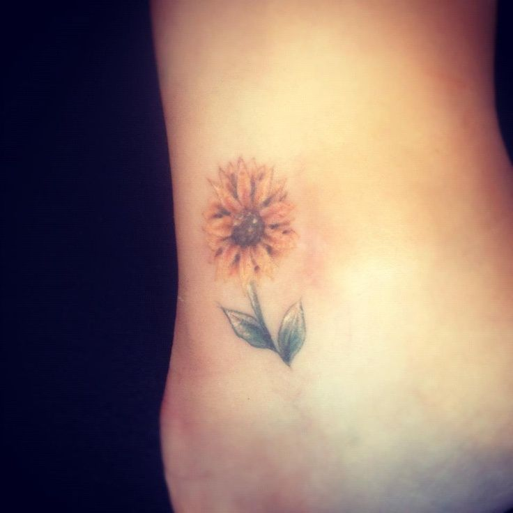Teeny tiny sunflower tattoo copyright jess parry tattoos for Sunflower temporary tattoo