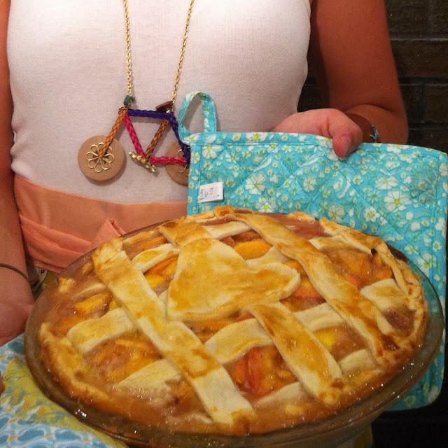 oh, sweet joy!: recipe for Peach Pie