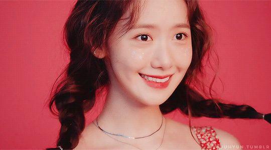 Yoona (Gif)
