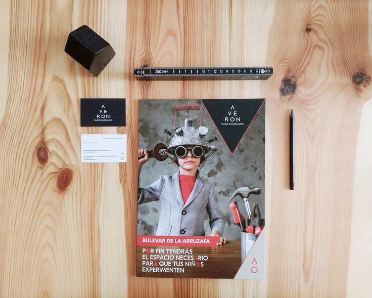 Carpeta contenedora de folleto y tarjeta para la Inmobiliaria Averon