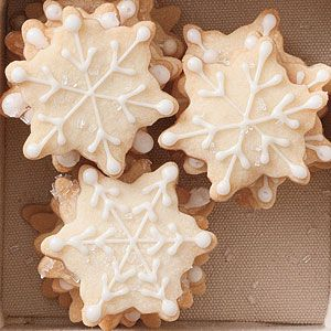 Make these snowflake shortbread cookies for your #frozen party!  #cookierecipe