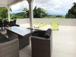 Bel appartement F3 avec jacuzzi privatif (Réf:5939 Appartement Martinique Ducos)
