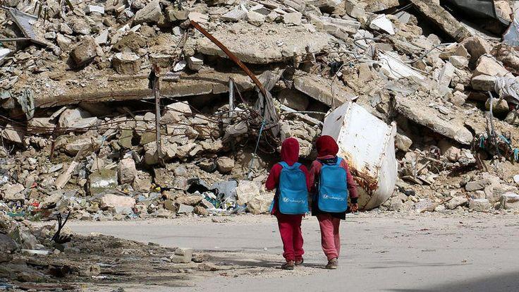 Von Franziska Brantner, Mitglied des Deutschen Bundestages (Bündnis 90/Die Grünen) und Norbert Röttgen, Mitglied des Deutschen Bundestages (CDU)    In unserer Arbeit im Auswärtigen Ausschuss des Deutschen Bundestages beschäftigen wir uns täglich mit der entsetzlichen Lage in Syrien. Die vom Assad-Regime...