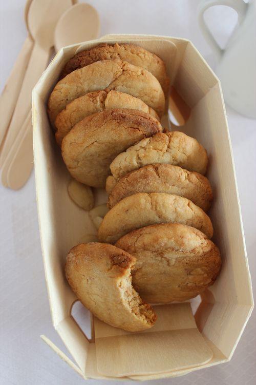 Galletas de Turrón http://es.pinterest.com/silviaaterriza/galletas-buenas/