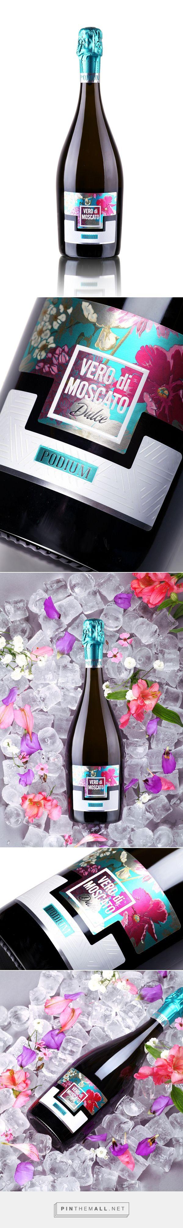 Vero di Moscato Champagne Packaging by 43oz Design Studio   Fivestar Branding – Design and Branding Agency & Inspiration Gallery
