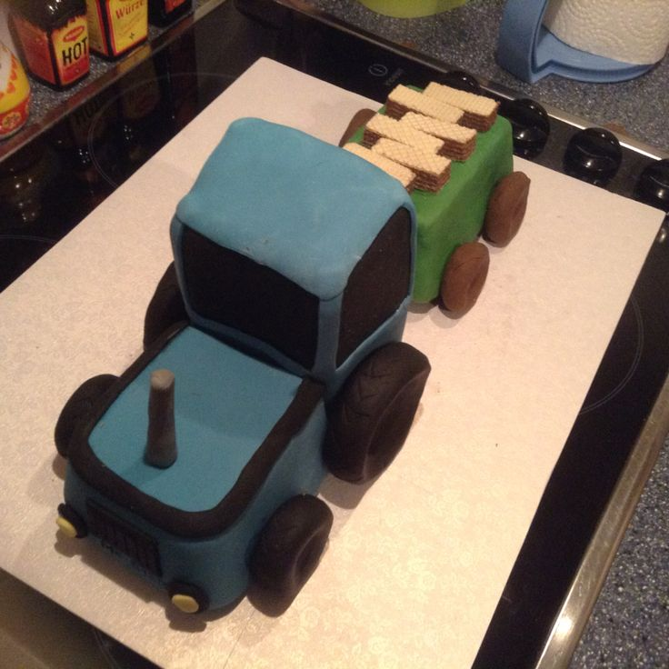Traktor mit Anhänger Torte
